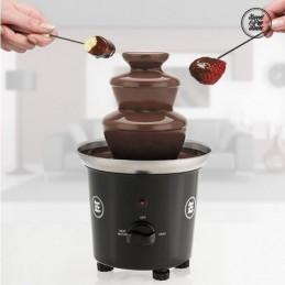 Fonte de Chocolate em Cascata