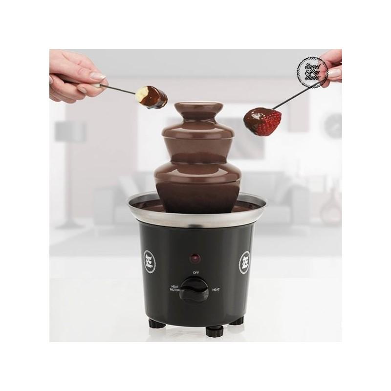 Fonte de Chocolate em Cascata é uma excelente forma de entreter os seus amigos, sobretudo aqueles que não conseguem passar sem chocolate.