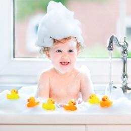 Se anda à procura de brinquedos para que os seus filhos não se aborreçam enquanto tomam banho, não deixe escapar o patinho de borracha LED.