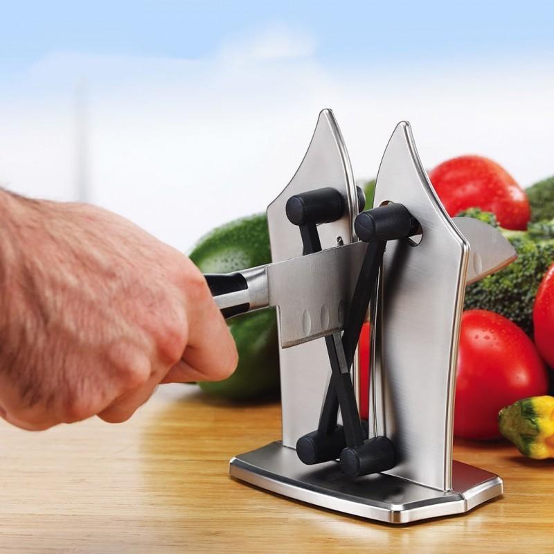Afie qualquer faca em segundos com a ajuda do Afiador de Facas.