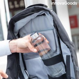 Mochila com sistema Anti-roubo, bastante completa, com uma grande variedade de bolsos e compartimentos, que lhe ira permitir carregar os seus dispositivos