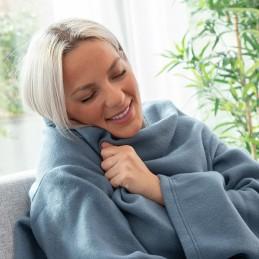 Um cobertor único, confortável e quente com um design renovado ideal para ficar confortável e aquecido em casa durante o inverno frio.