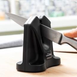 Um eficaz afiador manual com design em V que permite polir e afiar todo o tipo de facas lâmina lisa, de serrilha, japonesa, etc.