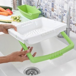 Uma original e versátil tábua de corte extensível com tabuleiro amovível, coador integrado e recipiente amovível para colocar alimentos ou resíduos.