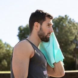 Uma toalha original e inovadora, que irá ajudar a refrescar após a prática desportiva e exercício