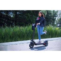 A Trotinete Scooter elétrica de alto desempenho, segura e divertida, que o vai levar para todo o lado com as maiores das facilidades.